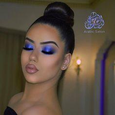 Sombra azul @arabicsalonorient Veja também batom lilás: http://www.lacremania.com.br/2018/02/labios-com-batom-em-tom-lilas.html - LacreMania - Google+