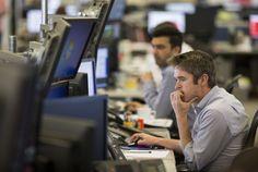 Фондовая Европа завершила торги в пятницу в минусе, британский FTSE 100 вырос