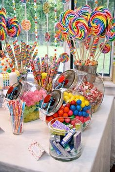 Party Ideas and Activities for Teen Girls Teen birthday party themes: Willa Wonka, Rock Star, and International Travel ideas for girls.Teen birthday party themes: Willa Wonka, Rock Star, and International Travel ideas for girls. Candy Theme Birthday Party, Birthday Party Table Decorations, Birthday Party Tables, Birthday Party For Teens, Carnival Birthday Parties, Candy Decorations, Circus Birthday, Party Candy, Party Themes For Teenagers
