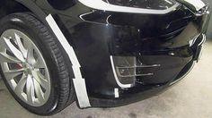 Manfred van Rinsum verlieh über Sixt seinen Tesla – an Daimler. Als er ihn wiedersah, war er den Tränen nahe: 83.523,35 Euro Schaden. Aber keiner rührt sich. Der Fall gibt auch Einblick in die Methoden der Autobauer.