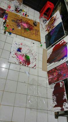 Keberantakan di studio gallery