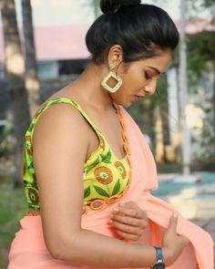 Indhuja Ravichandran saree stills at Super Duper Movie Trailer Launch - South Indian Actress Hot Images Of Actress, Indian Actress Hot Pics, Tamil Actress Photos, Most Beautiful Indian Actress, South Indian Actress, Indian Actresses, Indian Heroine Photo, Beautiful Saree, Beautiful Women