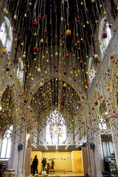 Rebecca Louise Law born 1980 in Cambridge,UK is an installation artist who works with natural materials. She trained in Fine Art at Newcastle University, England. Her work plays with the relationship between the human being and nature. Hanging Flowers, Hanging Art, Karl Valentin, Flower Installation, Ceiling Art, Arte Floral, Flower Wall, Flower Ceiling, Event Decor