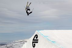 Love this - Jossi Wells flying at the Winter Games 2011 Jossi Wells, The Art Of Flight, Air New Zealand, Skiers, Winter Games, Snowboarding, Skate, Fighter Jets, Surfing
