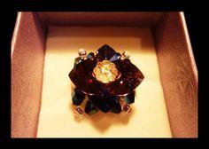 Bague éclat améthyste. Shiny handmade ring with Swarovski crystal hearts.