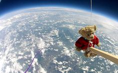 viaggio all'esterno di una sonda spaziale....veramente il mondo visto dall'alto