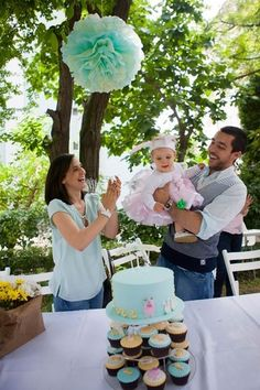 Best Kids Parties: Garden Party My Party - Name: Aylin (1)  Location: Istanbul, Turkey    To be honest, this was the moment I had been waiting for for a year. We had fingers crossed to have nice weather at the end of May, to be able to celebrate Aylin's first birthday with a garden party.