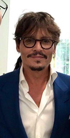 Johnny Depp Fans, Young Johnny Depp, Celebrity Dads, Celebrity Crush, Johnny Depp Wallpaper, John Depp, Johnny Depp Pictures, Roger Taylor, Z Cam