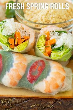 Fresh spring rolls with a simple dipping sauce. We like to dip the rolls in the sauce and then into crushed peanuts, giving that crunch texture. Simply fresh and delish! Healthy Spring Rolls, Fresh Spring Rolls, Summer Rolls, Fresh Rolls, Easy Asian Recipes, Easy Appetizer Recipes, Healthy Recipes, Appetizers, Wrap Sandwiches