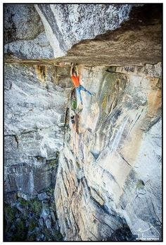 Hardcore Trad line at Table Mountain (Atomic Sky, 33 - 8b+), Cape Town (South Africa). Climber: Clinton Martinengo. Photo: © Elodie Saracco