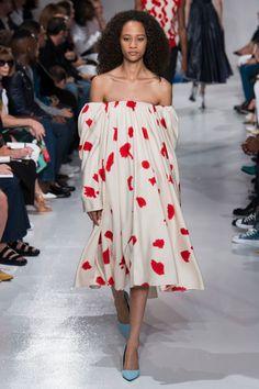 4edb3619bd4ab Calvin Klein 205W39NYC Spring Summer 2018 Ready to Wear