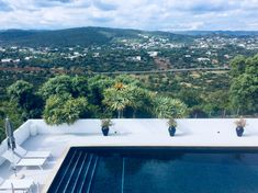 Altitude 330 meters, a pool with a view