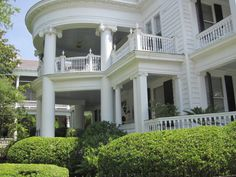 historical homes | one of the many old historic homes in charleston sc