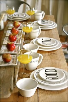 Formal Breakfast Table Setting perfect table for spring or summer guest breakfast. great idea for