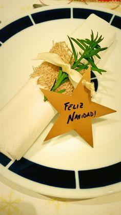 Hoy en el blog www.objetivoadeco.com os cuento cómo preparé la #decoracion de la #mesa de #navidad para 30 personas en la casa de mi abuela