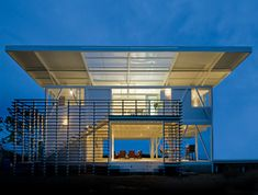 Iseami House in Costa Rica by Robles Arquitectos. Think I need to relocate to warmer climat!