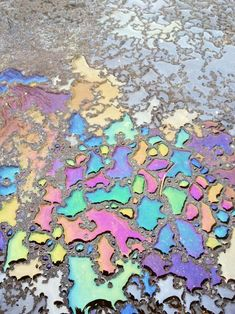 Oil on a driveway turned into iridescent art. Textures Patterns, Color Patterns, Rainbow Aesthetic, Oil Spill, Color Inspiration, Bunt, Iridescent, Iphone Wallpaper, Illustration
