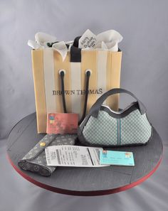 Shopping Theme For a shopaholic who loves designer labels. Shopping bag is chocolate mudcake. Gucci handbag and wallet are RKT covered with. Gift Box Cakes, Gift Cake, Fondant Cakes, Cupcake Cakes, Cupcakes, Cupcake Ideas, Bag Cake, Purse Cakes, Shoe Cakes