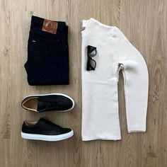 "4,985 Me gusta, 19 comentarios - VoTrends® Outfit Ideas for Men (@votrends) en Instagram: ""Black and White all the way ⚫️⚪️ Remember to follow @votrends ✨ #votrends By @mrjunho3"""