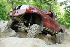High-Riding 2001 Nissan Frontier on Portal Axles