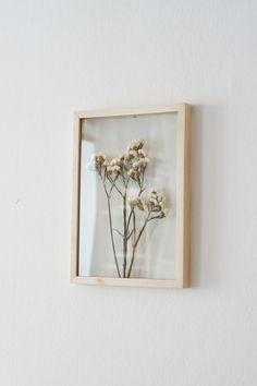 Sinuata Statice Dried Flower Frame, Herbarium Art by MyBotanica Dried And Pressed Flowers, Pressed Flower Art, Dried Flowers, Flower Frame, Flower Wall, Diy Fleur, Bedroom Decor, Wall Decor, Diy Wall
