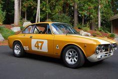 1969 Alfa Romeo GTV SOVREN Racer - interesting color scheme - thumbs up
