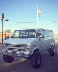 Ambulance, 4x4 Van Conversion, Lifted Van, Chevrolet Van, Chevy Vans, Step Van, Vanz, Cool Vans, Lift Kits