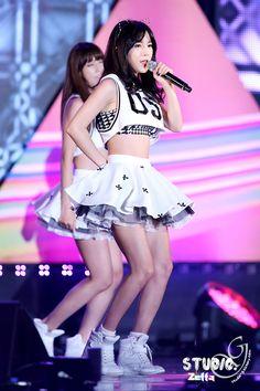 Hyun Young, Girl Bands, Pop Group, Dancer, Angels, Punk, Rainbow, Kpop, Fashion