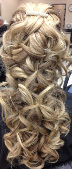 I did this today at work its our trial for a wedding. Its gona look soooo much prettier with the veil which is being placed at the nape and cupping the long pieces under :) Dance Hairstyles, Homecoming Hairstyles, Pretty Hairstyles, Wedding Hairstyles, Curly Hair Tips, Hair Dos, Curly Hair Styles, Bridal Hair And Makeup, Hair Makeup
