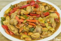 Comment préparer ce plat chinois de poulet aux amandes. Un wok de légumes et du poulet. Une recette facile, pleine de saveurs et de textures.