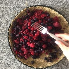 Tartaleta de Berries Avena y Chia Healthy Food, Healthy Recipes, Tarts, Recipies, Tableware, Fit, Kitchen, Desserts, Healthy Sweets