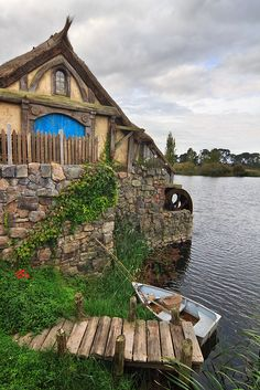 The millpond and water wheel in Hobbiton, Matamata, North Island, New Zealand (by Emily Miller)
