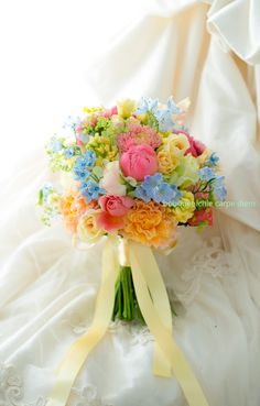 Pastel Wedding Theme, Red Bouquet Wedding, Spring Wedding Flowers, Bride Bouquets, Bridal Flowers, Beautiful Bouquet Of Flowers, Pastel Flowers, Pretty Flowers, Wedding Arrangements