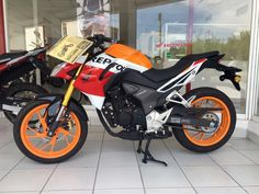 Honda CB190r Repsol. This is too cool. I must have it!