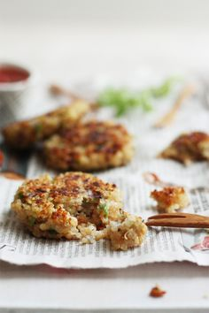 Garlic And Thyme Quinoa Patties #healthy #wholefoods #tapas
