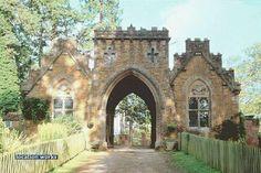 Location Works: Castles - reference 30606 - wonderful Gothic gatehouse