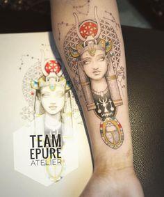 Marie Roura sur Instagram: La déesse Hathor et son scarabée pour Eva. Tatouage réalisé avec @judicael.epureatelier qui fait tous les tracés et moi les couleurs et…
