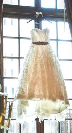 Wedding dress idea; Featured Photographer: Seth and Beth Photography
