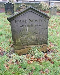 File:Grave of Isaac Newton. Cemetery Statues, Cemetery Art, Old Cemeteries, Graveyards, Famous Tombstones, Famous Graves, Danse Macabre, Stone Statues, Famous Stars