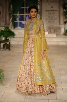 India Couture Week 2018 - The Fashion Orientalist Dress Indian Style, Indian Dresses, Indian Wear, Indian Outfits, Indian Clothes, Lakme Fashion Week, Hijab Fashion, Fashion Dresses, Fashion Styles