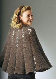 Familie Journal - strikkeopskrifter til hende Knitting Machine Patterns, Poncho Knitting Patterns, Knitted Cape, Knitted Shawls, Kids Poncho, Vintage Crochet Patterns, Knitting For Kids, Knit Fashion, Shawls And Wraps