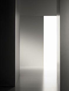 Light and shade | interior design. Innenarchitektur . design d'intérieur | Inspiration  @l-e-m-i-n-i-m-a-l-i-s-m-e |