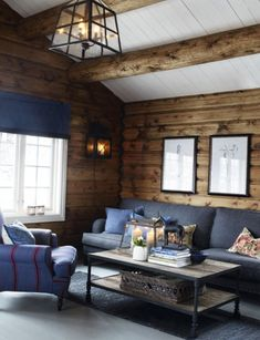The closer the cold, the more I want to talk about comfortable cozy interiors, as for example in this beautiful wooden house in Norway. Home Wall Colour, Wooden House Design, Log Home Interiors, Timber House, House In The Woods, Log Homes, Home Interior Design, Decoration, Hygge