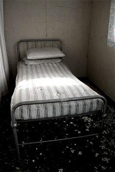 Browning and Blake wards, Cane Hill Asylum (Surrey, UK)