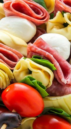 Antipasto Skewers ~ Easy and amazing. The perfect party appetizer. Antipasto Skewers, Skewer Appetizers, Appetisers, Appetizers For Party, Appetizer Recipes, Snack Recipes, Cooking Recipes, Kabobs, Dinner Parties
