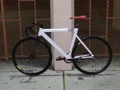 White LEADER frame fixed gear