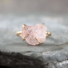 morganite raw stone uncut ring if anyone has ANY common sense and loves me they will get me something morganite for my birthday!