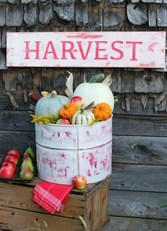 Rustic Fall decor that looks great!