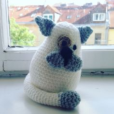Cat at the window #knitting #forchildren www.alterdeco.cz