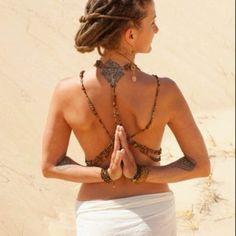 TreeofLifeLove, bueno para abrir los hombros  www.worldyogamat.com